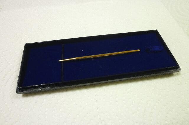 刺さない金の鍼